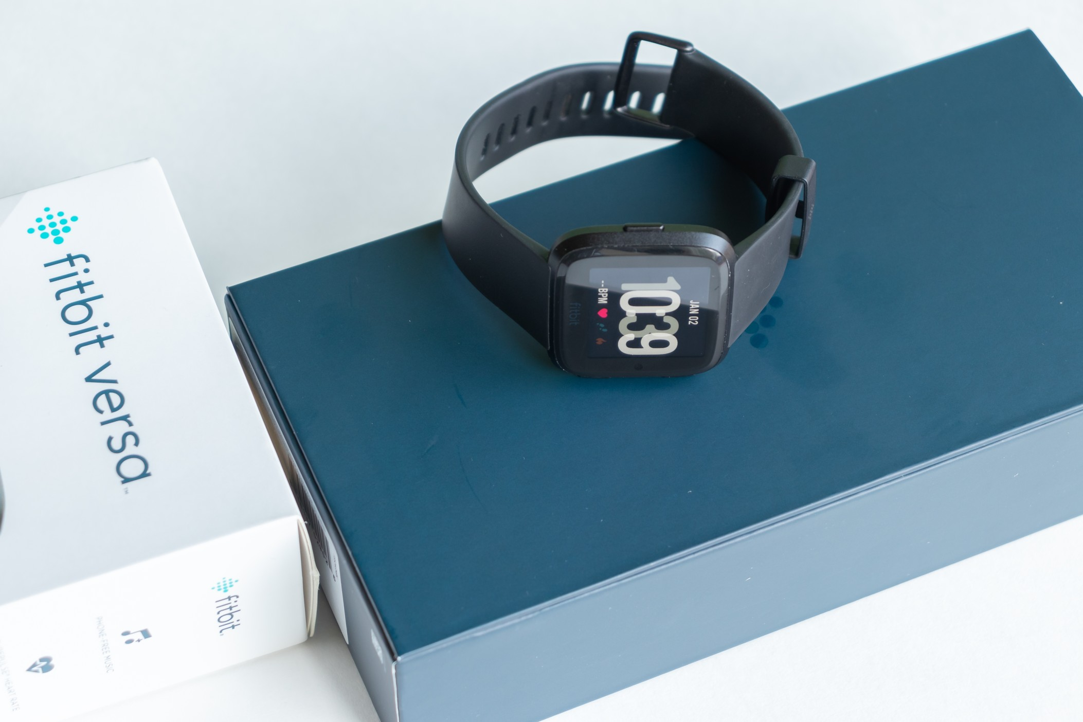 How to fix fitbit not charging